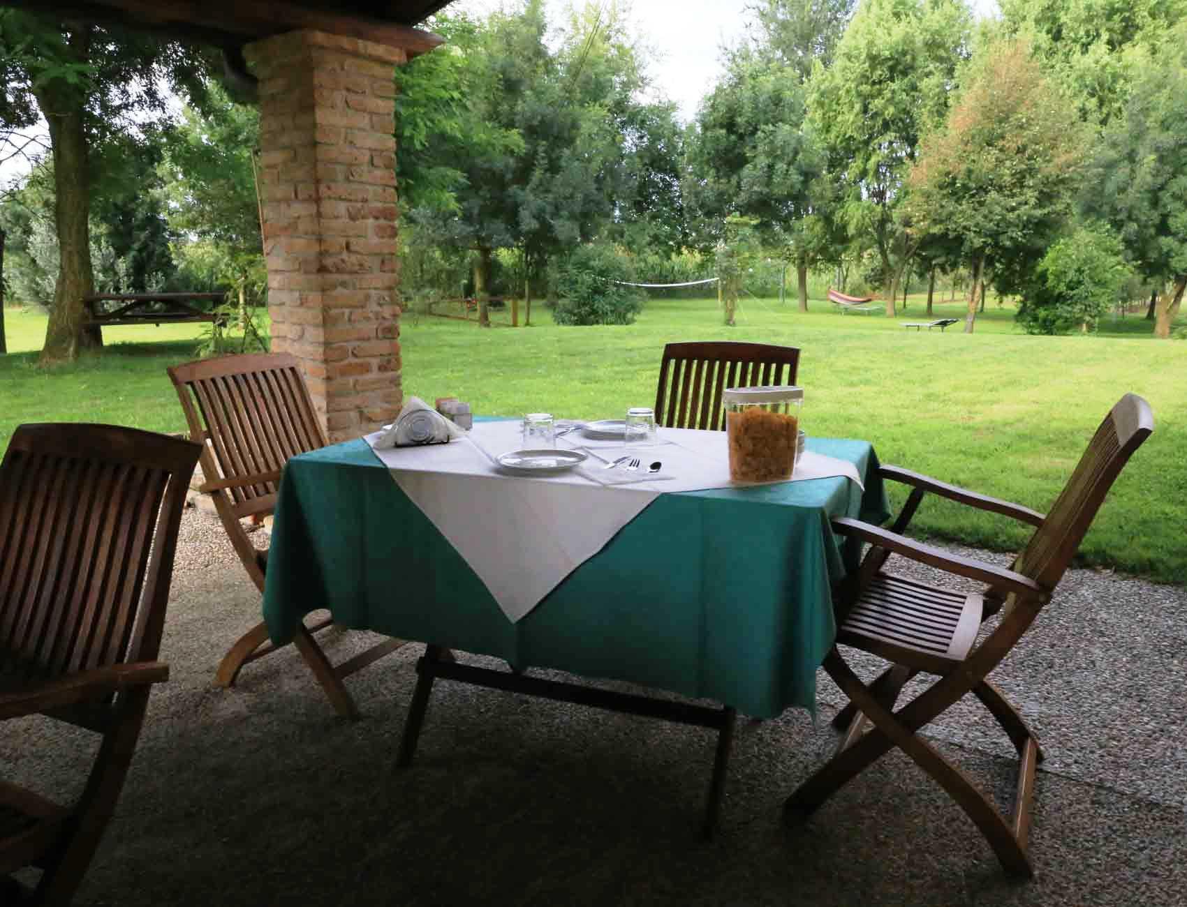 Agriturismo Zennare - Camera tripla - Prima colazione nel patio