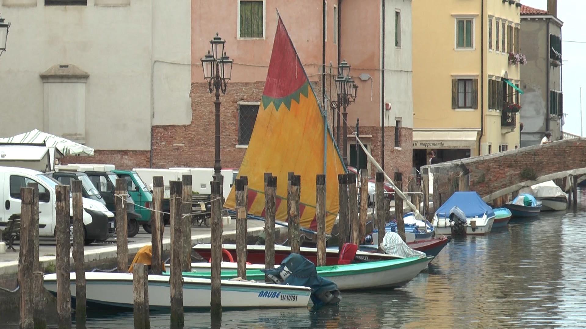 Chioggia - Bragozzo sul Canal Vena